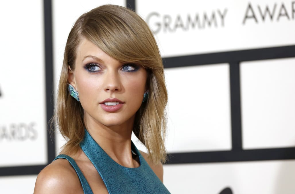 Taylor Swift sends a touching note to a fan who invited her to a ...