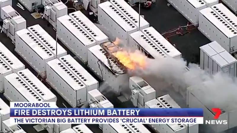 Tesla Megapack-Einheit fängt während eines Tests in Australien Feuer