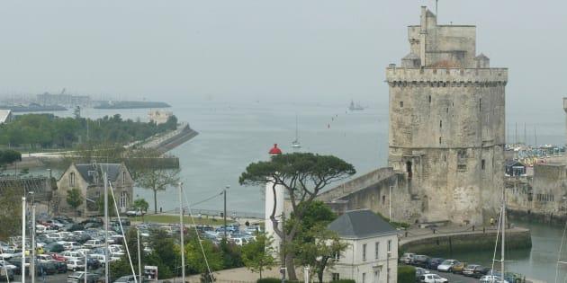 Après Barcelone, La Rochelle renforce la sécurité sur le Vieux-Port.