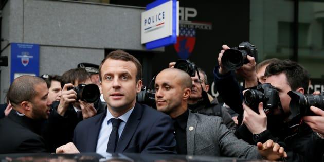 Le Président de la République a reçu Bono et va recevoir Rihanna à l'Élysée. Des policiers dénoncent la nécessité d'être soutenu par une star pour être entendu.