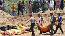 FOTOS: Fosas comunes, el destino de las víctimas mortales del terremoto en
