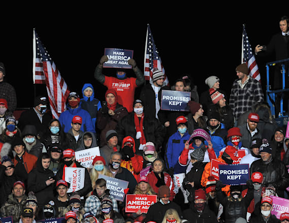 Hundreds of Trump supporters stuck in cold in Omaha