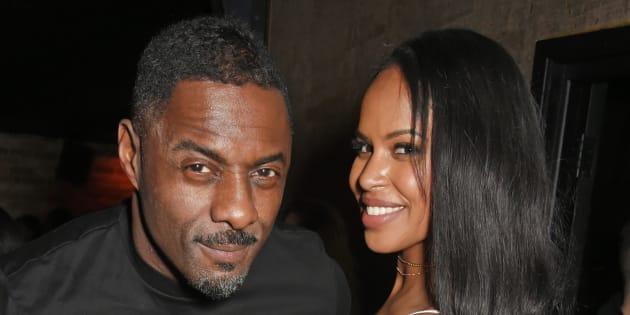 Idris Elba fait sa demande en mariage au milieu d'un cinéma