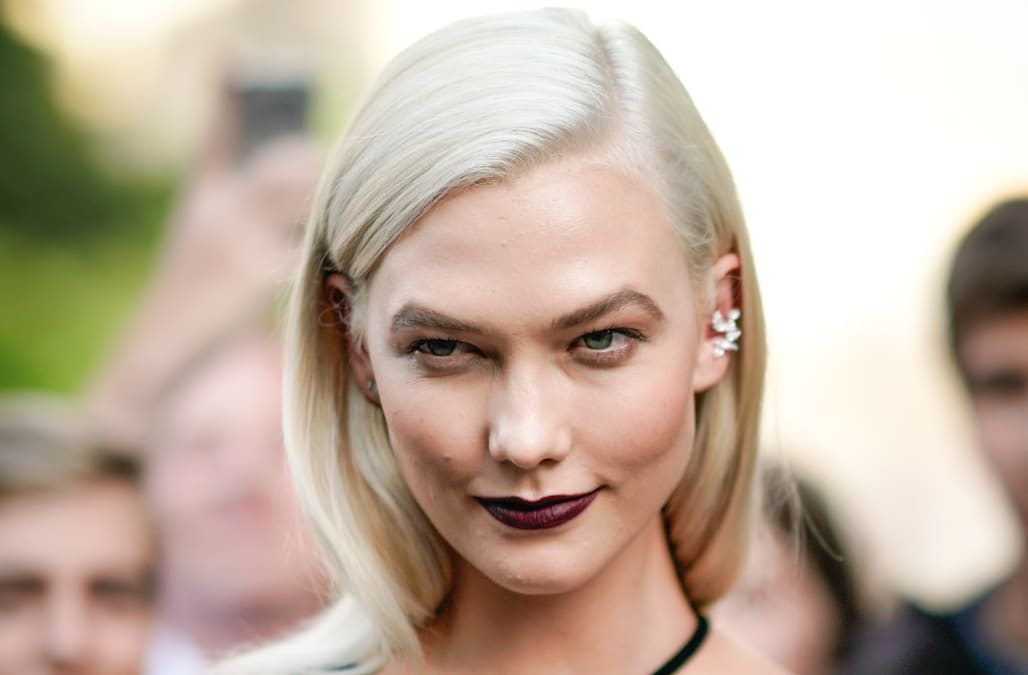 Karlie Kloss reveals bleach blonde hair during Paris ...