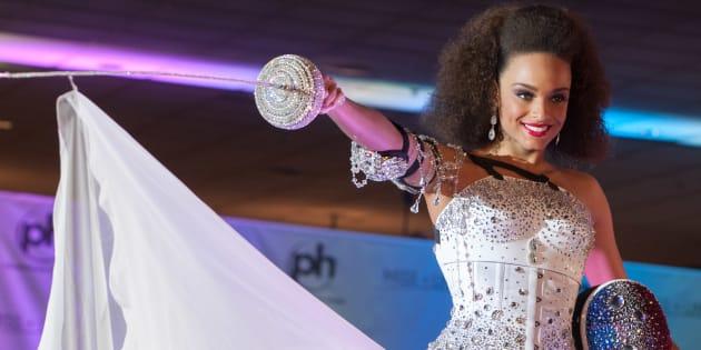 Alicia Aylies, Miss France 2017 a présenté sa tenue nationale sur la scène du Planet Hollywood Resort & Casino de Las Vegas le samedi 18 novembre.