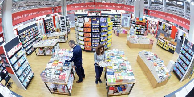 Uno stand della XXIX edizione del Salone del Libro di Torino in una foto d'archivio dell'11 maggio 2016. ANSA/ALESSANDRO DI MARCO