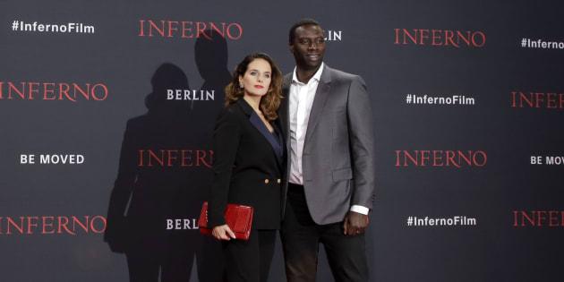 """Actor Omar Sy et son épouse Helene Sy à l'avant-première du film """"Inferno"""" à Berlin, lundi 10 octobre. (AP Photo/Markus Schreiber)"""