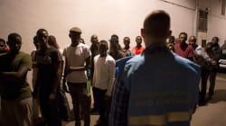 Tres inmigrantes muertos y 18 desaparecidos tras un naufragio en el Mar de