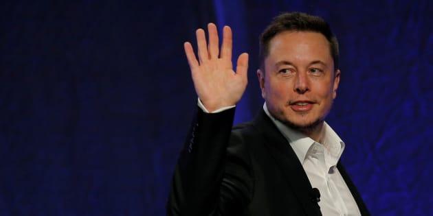 Tesla, Musk lascia la presidenza