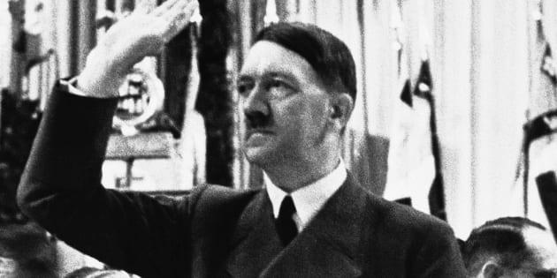 Hitler fue rechazado, dos veces, de la Academia de Bellas Artes de Vienna.