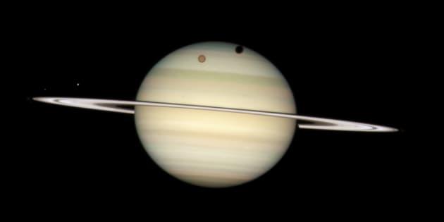 """La Nasa a """"trouvé une source d'alimentation de la vie"""" sur une lune de Saturne"""