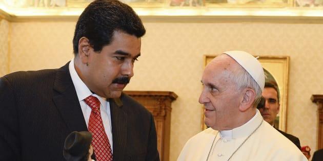 Imagen de archivo de el papa Francisco y Nicolás Maduro.