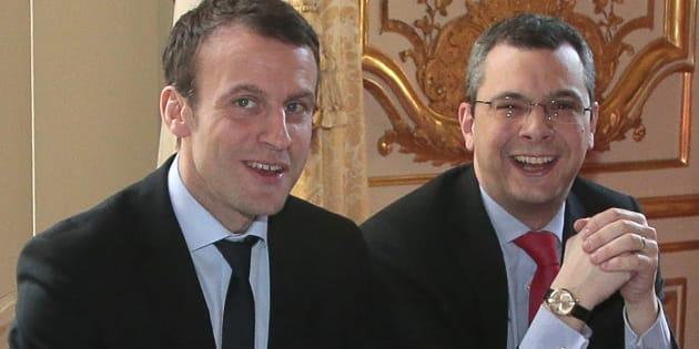 """Emmanuel Macron défend Alexis Kohler, secrétaire général de l'Élysée, et sa """"probité exemplaire""""."""