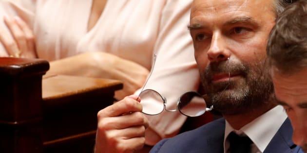 Après les annonces d'Édouard Philippe (ici à l'Assemblée nationale le 31 juillet), l'opposition de droite comme de gauche dénonce le coup porté au pouvoir d'achat.