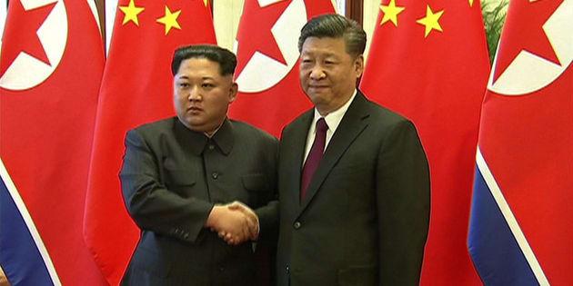 Kim Jong Un et Xi Jinping à Pékin le 27 mars 2018.
