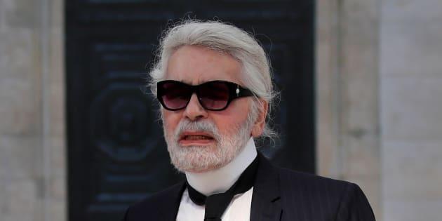 Fini les mythiques lunettes de soleil: Karl Lagerfeld est méconnaissable