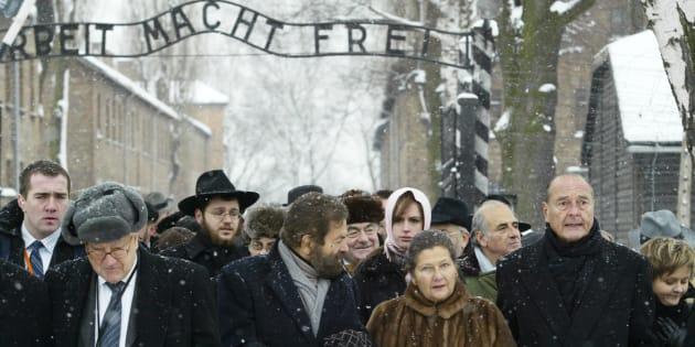 Avec Simone Veil (ici avec Jacques Chirac à Auschwitz pour le 60e anniversaire de la libération du camp), la mémoire de la Shoah fait aussi son entrée au Panthéon.