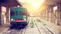Scende a fumare una sigaretta ma il treno riparte con la figlia di 6