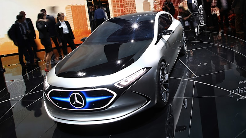 Daimler announces $1B expansion, joins foreign rush to add U.S. auto plants