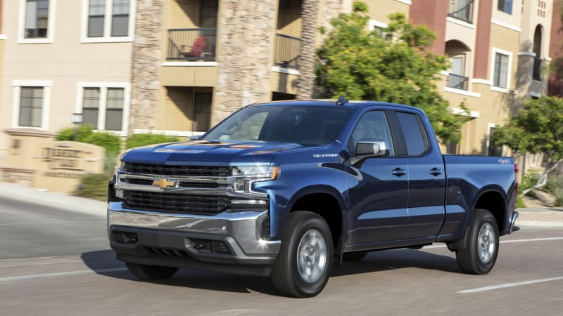 Chevy says not to look at the 2019 Silverado's fuel economy