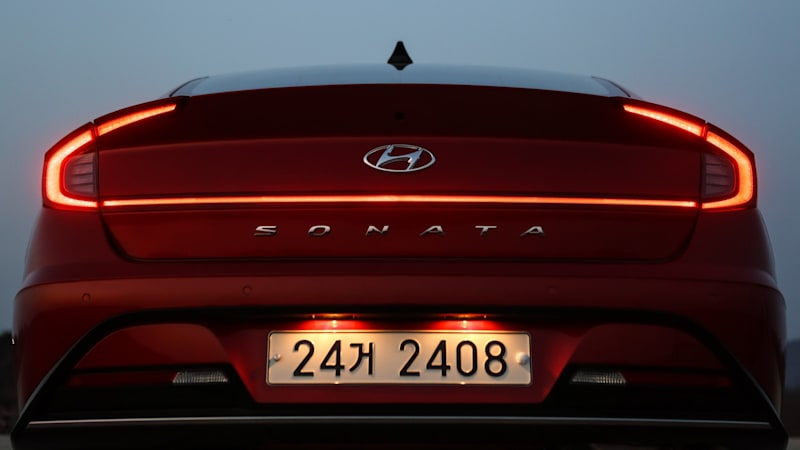 And While We Were Walking The Floor Of New York Auto Show It Dawned On Us That Hyundai Has Implemented Some Lovely Details Its Taillights
