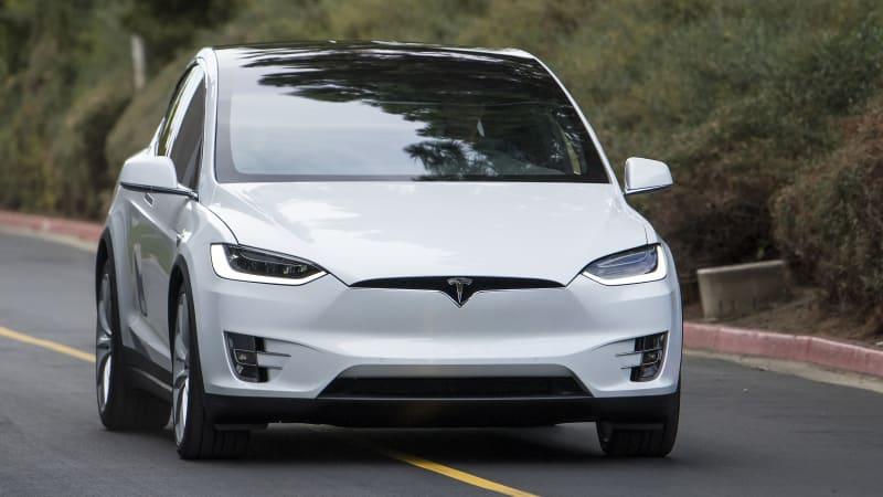 Tesla Model X gets more autonomous driving features - Autoblog