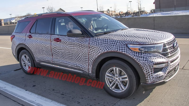 2020 Ford Explorer spied barely disguised in civilian spec