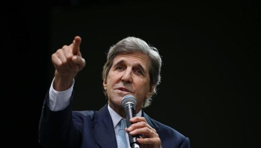 «Démissionnez!» lance John Kerry à Donald