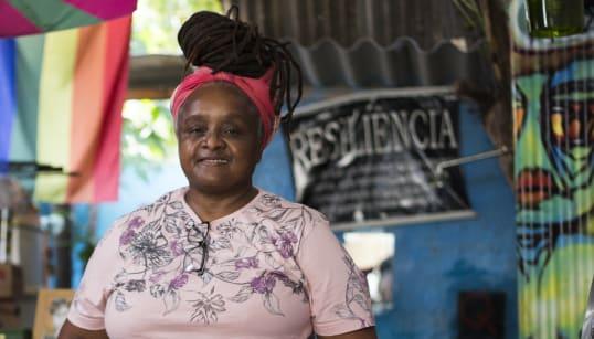 Gisela Queiroz, a dona do espaço seguro para lésbicas no subúrbio