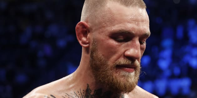 Mécontent qu'on lui retire son titre UFC… Conor McGregor attaque un bus