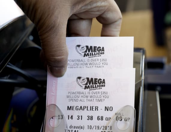Mega Millions jackpot jumps to $970M