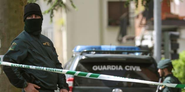 Operativo antiyihadista de la Guardia Civil, el pasado 24 de abril, en Andoain.