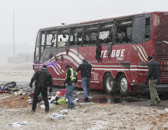 2 dead, 44 hurt in bus crash on icy Miss. highway
