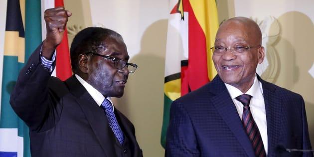 Zimbabwe's President Robert Mugabe (L) and South Africa's President Jacob Zuma (R).
