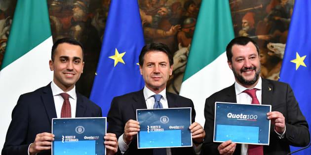 Luigi Di Maio, Giuseppe Conte et Matteo Salvini en conférence de presse jeudi 17 janvier.