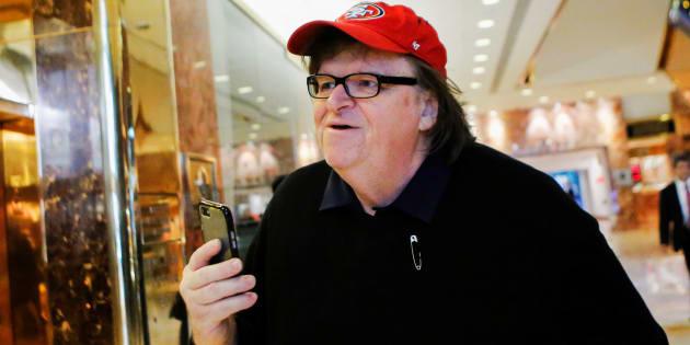 """Michael Moore ulcéré par les médias qui se ruent pour parler """"d'acte terroriste"""" à l'aéroport de Flint"""