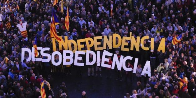 """Raul Romeva, """"ministro"""" degli Esteri della Catalogna: """"Possono incarcerarci tutti, ma voteremo"""""""