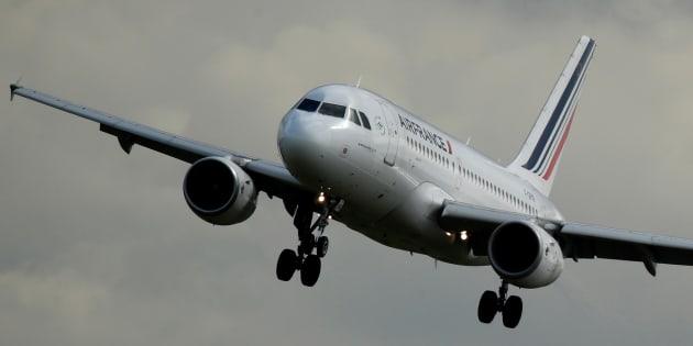 L'action Air France plonge après la démission de son PDG