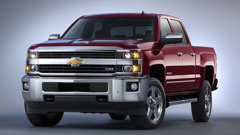 chevy updates silverado hd with new towing equipment autoblog. Black Bedroom Furniture Sets. Home Design Ideas