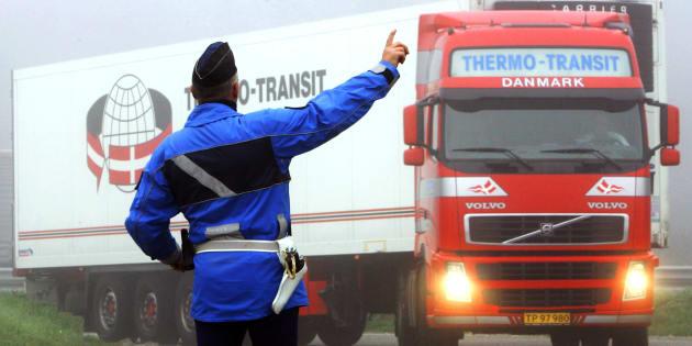 La ministre des transports veut taxer les poids lourds (mais rien à voir avec l'écotaxe, promis)