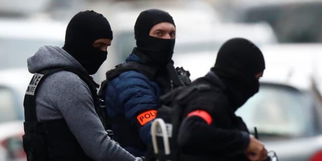 Strasburgo, blitz della polizia nel quartiere di Neudorf