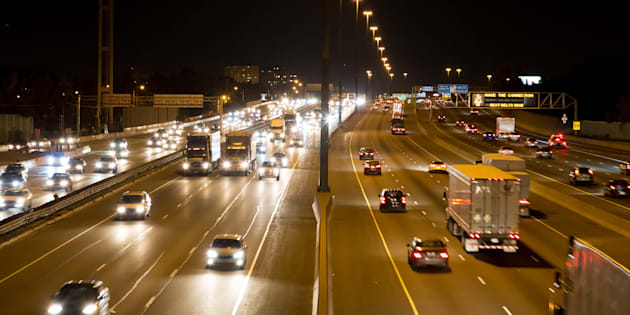 Traffic on Highway 401 is seen on Oct. 23, 2014.