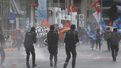 Istanbul, polizia usa i lacrimogeni contro una manifestazione per il primo