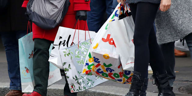 Shoppers are getting frugal this Christmas.