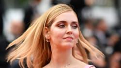 Chiara Ferragni si tinge i capelli di rosa per l'addio al nubilato a