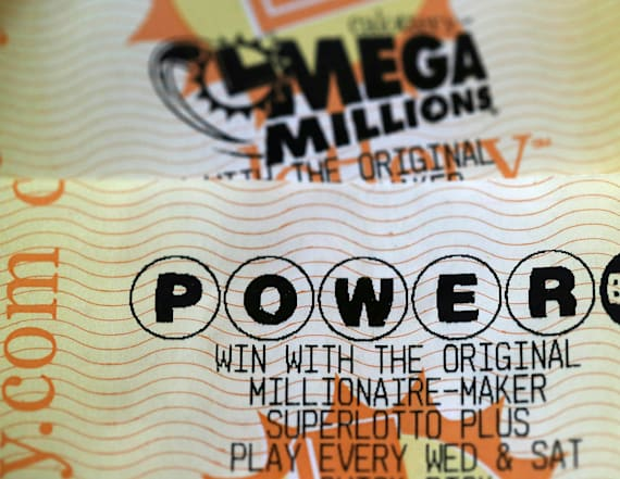 Powerball jackpot up to $620M after no winners drawn