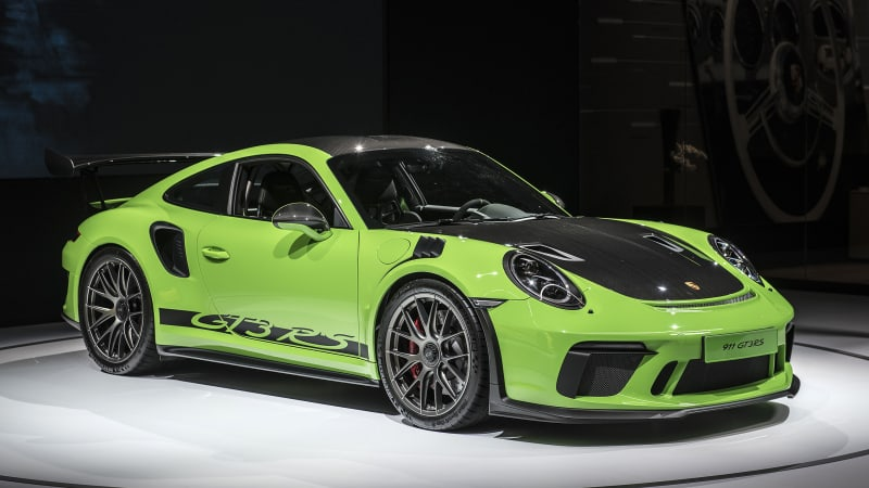 Porsche 911 Gt3 Rs Weissach Package Goes On A Carbon Fiber Diet Autoblog