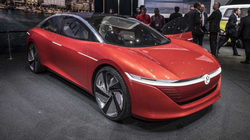 Volkswagen I D Vizzion Previews An Ev Sedan With A 400 Mile Range