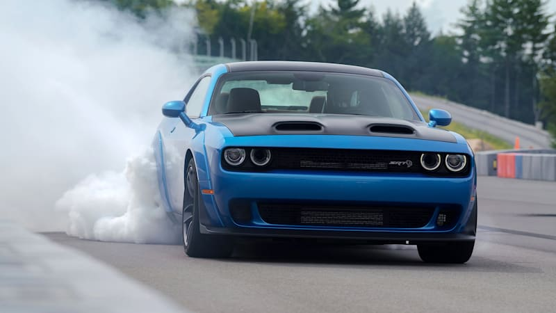 2019 Dodge Challenger SRT Hellcat Redeye Widebody First Drive Review
