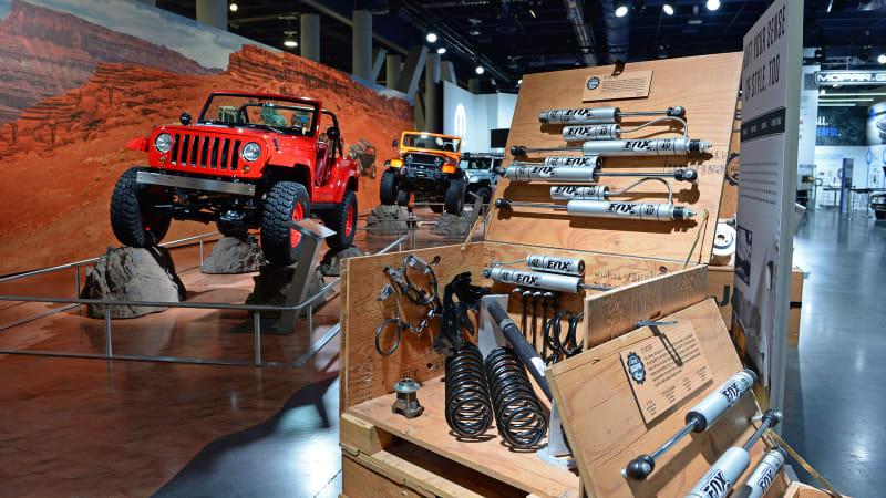 Jeep Performance Parts >> Mopar Stuffs The Jeep Performance Parts Catalog With 200